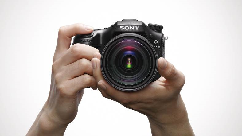 Sony-Launches-New-Flagship-Camera-a99-II-in-India